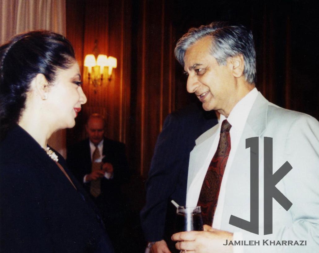 بانو جمیله خرازی همراه احمد کمال-سفیر UN